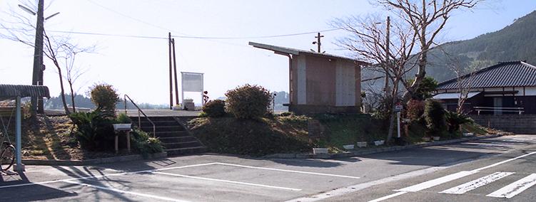 日南線・内之田駅-さいきの駅舎...